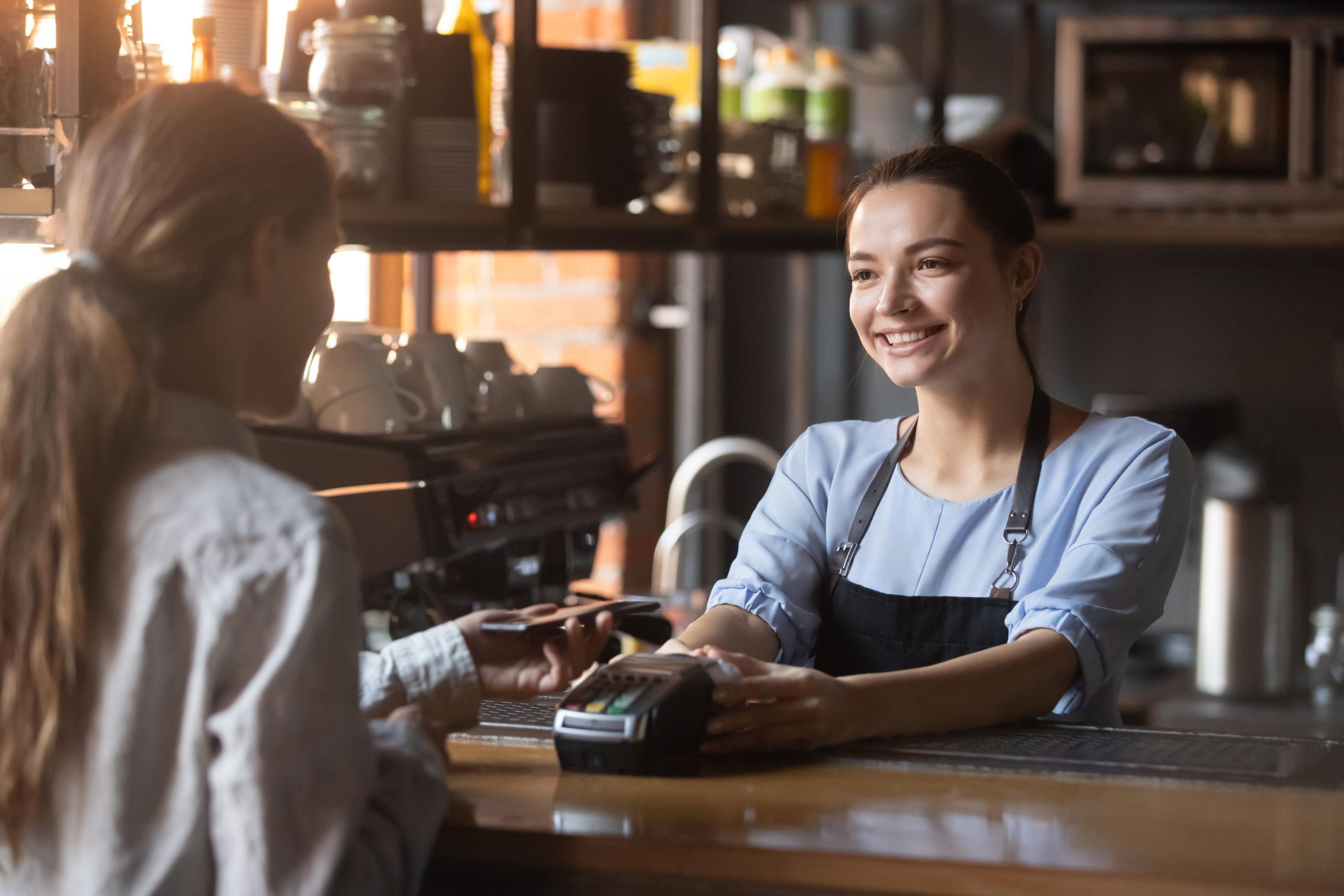 Favorisci i pagamenti contactless nel ristorante del tuo hotel.